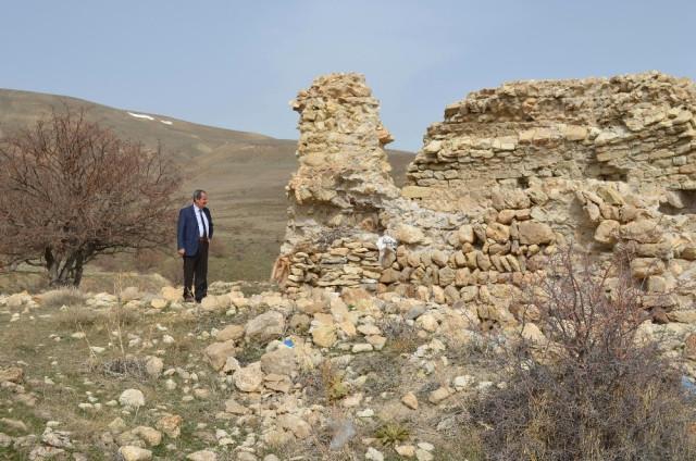Adilcevaz'daki 600 Yıllık Kilise ile Kef Kalesi Turizme Kazandırılacak