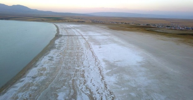 Kuraklık, Arin Gölü'nü küçülttü