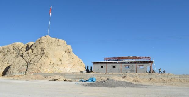 Adilcevaz'da Van Gölü manzaralı seyir terası